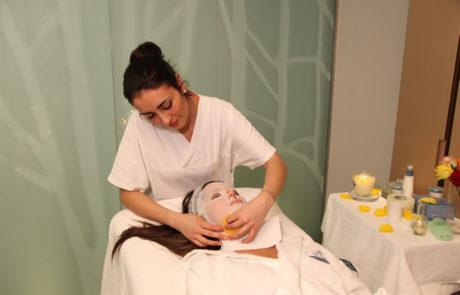Terme di Riolo Centro Estetico - Trattamento viso al vello di collagene